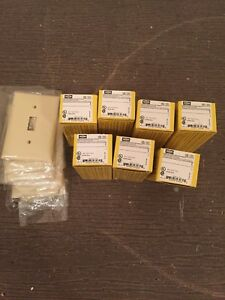 Lot Of 7 New Hubbell Hbl1385i Switch 20 Amp Spdt Toggle 3 Position Hbl 1385i