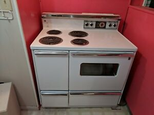 Vintage General Electric Range Oven White