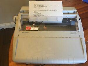 Brother Electronic Typewriter Gx 6750 With Keyboard Cover