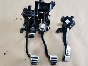 2015 2017 Ford Mustang Gt Pedal Assembly Gas Brake Clutch Pedals Manual Oem