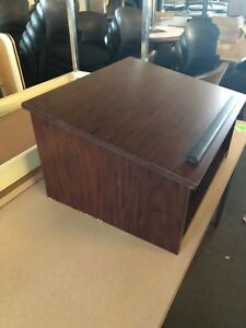 Table Top Podium In Mahogany Color Laminate 14 h