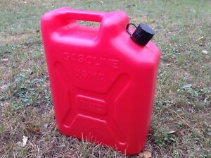 Vintage Gas Can Blitz Plastic 5 Gallon Jerry Can Pull Out Spout Usmc 11850