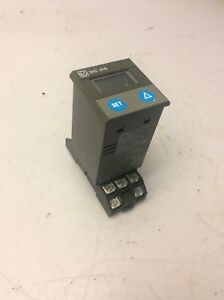 Tempatron Programmable Temperature Control Relay W Base Dtc 410 02 110 V Used