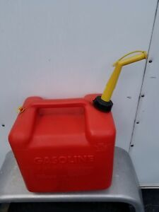 Vintage Chilton Gas Can Vented 5 Gallon W Screened Spout Mod p500