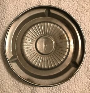 1959 1960 Oldsmobile Rocket Dog Dish Hubcap
