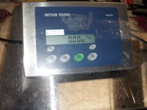 Mettler Toledo With Indicator 429 And Model Wh Base