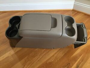 2004 2005 Toyota Sienna Mini Van Front Middle Removable Center Console Complete