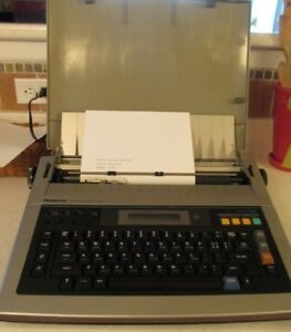 Panasonic Electric Typewriter With Memory Model Kx r435 One Owner