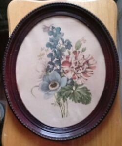 Vintage Oval Wooden Frame With Flower Print 18
