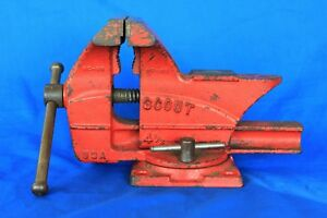 Vintage Scout 4 1 2 Usa Swivel Bench Vise In Very Good Condition