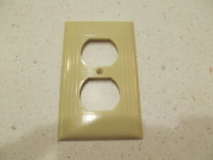 Vintage Sierra Electric Co Ivory Outlet Cover Plate Ribbed Bakelite