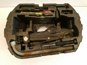 Factory Jack Assembly With Tools Fits 1998 Vw Beetle Oem 484239