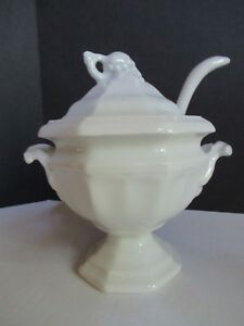 Red Cliff Ironstone Gravy Tureen With Lid Ladle Grape Pattern Vintage Nice