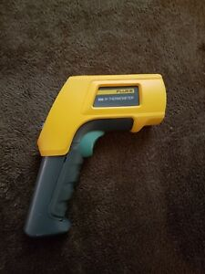 Fluke 566 Ir Infrared Thermometer Lcd Display Nice Unit