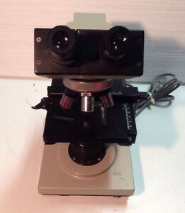 Bausch Lomb Compound Binocular Microscope Model 31 74 24 W 4 Objectives