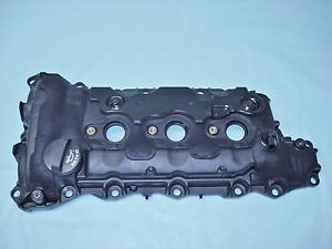3 6 Cadillac Sts 2007 2009 Valve Cover Oil Fill Side 12624805