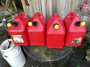 Four 4 Blitz 5 Gallon Plastic Gas Gasoline Can With Vented Spout Usa Made Pics