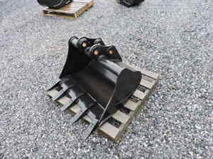 New Takeuchi Tb035 Tb135 30 Tooth Trenching Bucket Pin On 40mm Pins 156 Series
