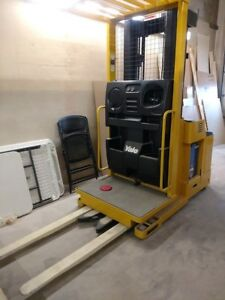 Yale Model Os030ecn24te089 3000 Lbs Capacity Order Picker Electric Forklift