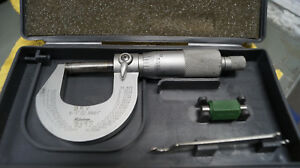 Mitutoyo Analog Micrometer W Case And Has Id On It japan