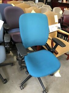 Executive Chair By Steelcase Leap V2 fully Loaded 2008