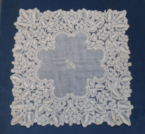Beautiful Antique Lace Hankerchief Point De Gaze Leaf Design C 1889