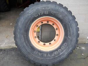 Goodyear G178 445 65r22 5 Super Single On Rim Loaded 700 Pounds Manure Spreader