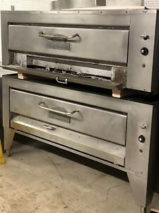 Montague 25p 2 Hearthbake Pizza Ovens 9500 00