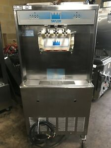2002 Taylor 339 Soft Serve Frozen Yogurt Ice Cream Machine 1ph Air Fully Working