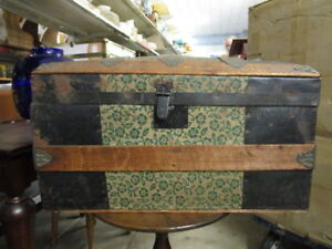 1800 S Or Early 1900 S Small Hump Top Steamer Trunk Antique Vintage Camel Hump