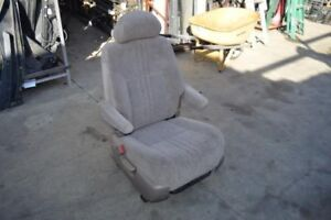 1998 1999 2000 Toyota Sienna Right Passenger Rear 2nd Row Seat Chair Tan Cloth