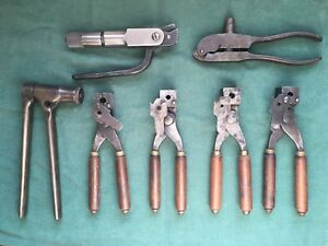 Vintage antique Winchester bullet molds and tools great shape excellent cond.