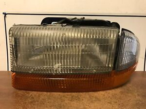 2003 Dodge Dakota Left driver Headlight Assembly 199 Oem scuff