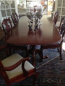Chippendale Style Mahogany Dining Room Table 8 Chairs Settee Small End Table