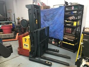 Electric Walk Behind Lift Pallet Jack Only 63 Hours Price Lowered