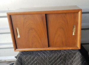 Mid Century Modern 1960 S Retro Floating 2 Door Wall Hanging Cabinet Vtg Danish