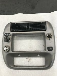 95 03 Ford Ranger Radio And Surround Bezel Dash Trim W Vents Panel Pick Up 4x4