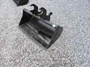 New Attachments Plus 36 Grading Clean Out Bucket John Deere Mini Excavator