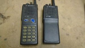 2x Motorola Ht1000 Two Way Radio Vhf 136 174 Mhz 16 channel Narrowband Portables