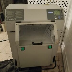 Challenge Titan 200 Hydraulic Paper Cutter For Parts partout