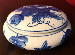 Chinese Blue White Porcelain Candy Dish Squatty Bowl With A Lid 6 5