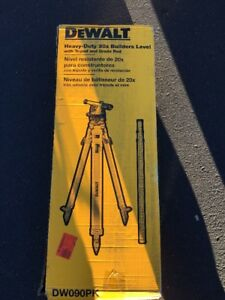 Dewalt Heavy duty 20x Builders Level With Tripod And Grade Rod Model Dw090pk