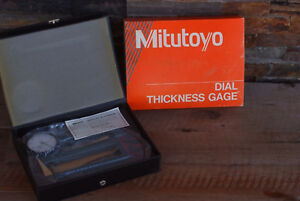 Mitutoyo 7322 Thickness Gauge W 0 001 1 000 Dial Indicator No 2416 Case A