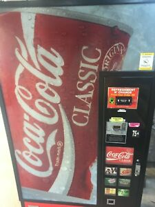 Coca Cola Soda Can vending Machine dixie Narco440 coke pepsi