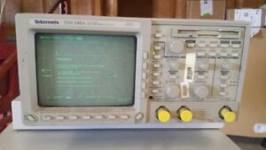 Tektronix Tds340a Oscilloscope Passes Self Check