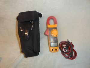 Fluke 322 Digital Clamp Meter With Leads And Case