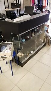 Excellent Condition Black Glass Doors Modern Countertop Jewelry Display Case
