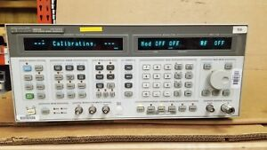 Hp 8644a Sythesized Signal Generator 0 26 1030mhz Powers Up