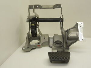 Audi A4 B8 A7 Brake Pedal With Mounting Bracket For Automatic Cars 8k2721117