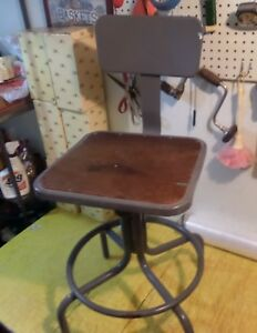 Inter Royal Corp Vtg Industrial Metal Work Chair Stool Machinist Man Cave